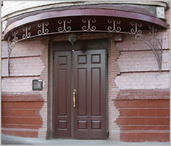 металлические входные двери в подьезды домов